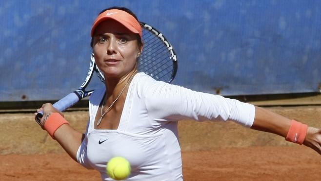 Томова отстъпи на полуфиналите във Франция