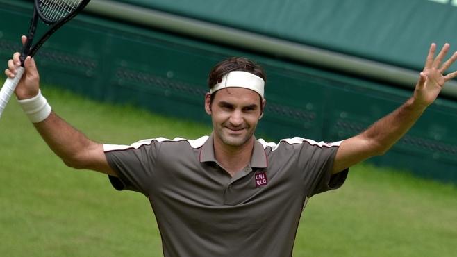 Федерер с първа победа на трева от две години насам