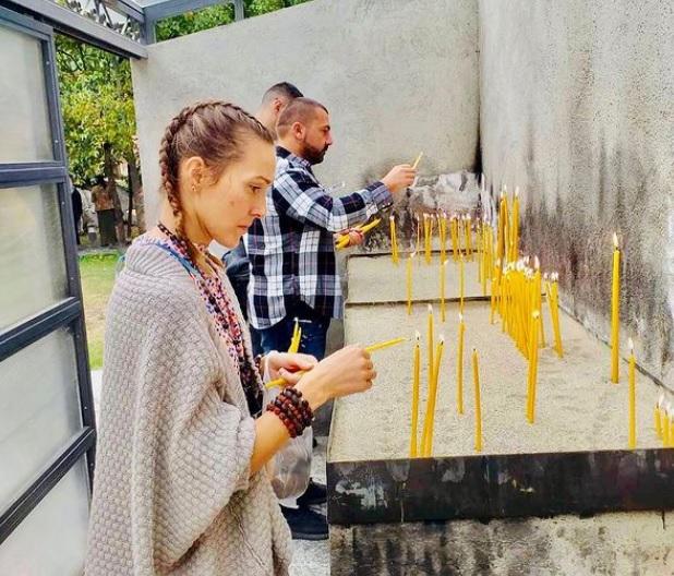 Съпругата на Джокович забрани употребата на свещи у дома