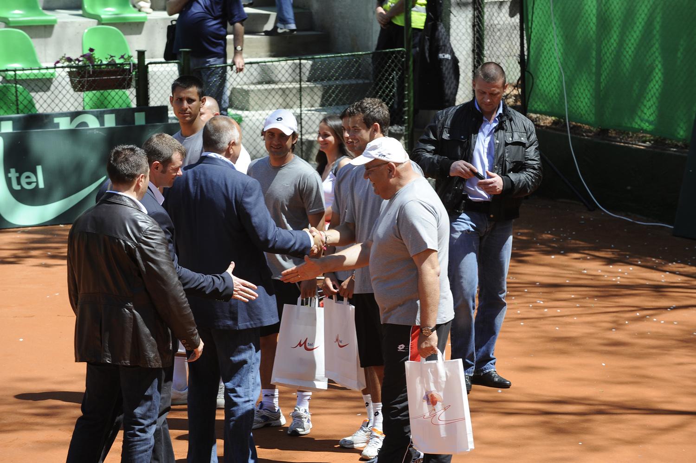България в топ 3 на тенис нациите, Кутровски с леко наказание