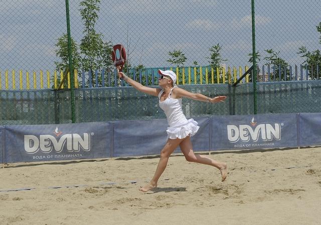 Държавни шампиони се включват в DEVIN плажен тенис за годината