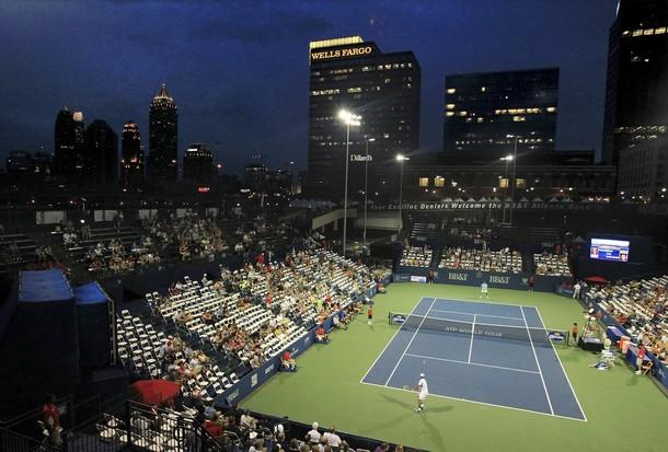 Анди Родик с победа в Атланта, Блейк с юбилеен успех