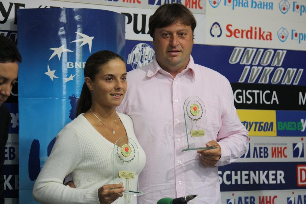 Виктория Томова не изпуска тренировка на Шарапова