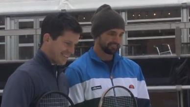 ВИДЕО: Иванишевич и Хенман играха тенис върху... лед