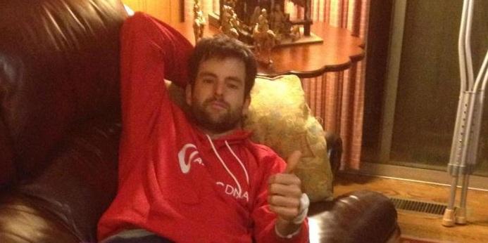 Брайън Бейкър претърпя операция на коляното
