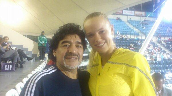 Диего Марадона изненада приятно тенисистките в Дубай (видео)