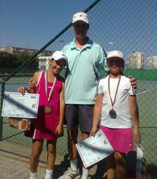 """Над 30 деца участваха в турнир на """"зелен"""" корт в Бургас"""