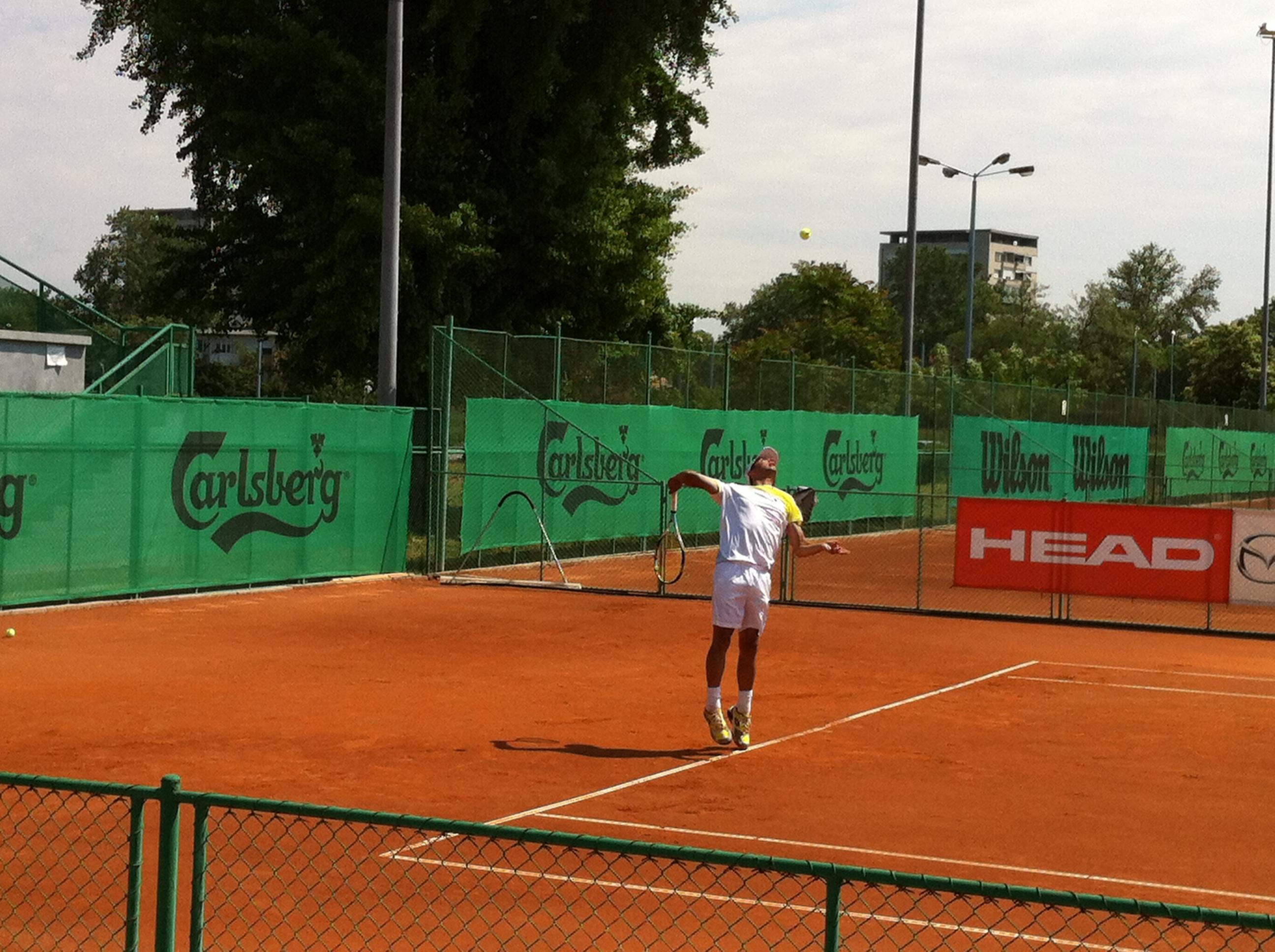 Двама българи достигнаха четвъртфинал на Carlsberg Cup