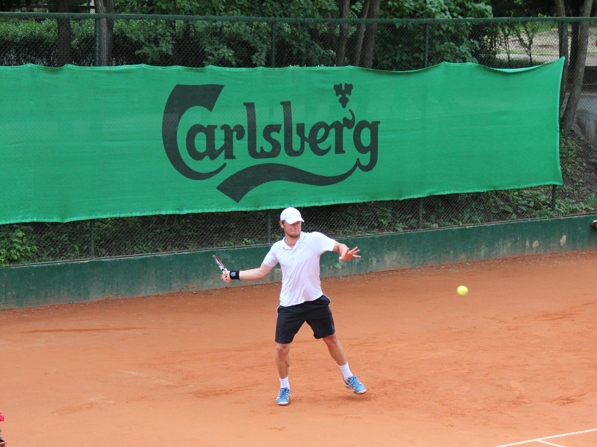 Тихомир Грозданов загуби на полуфинала на Carlsberg Cup