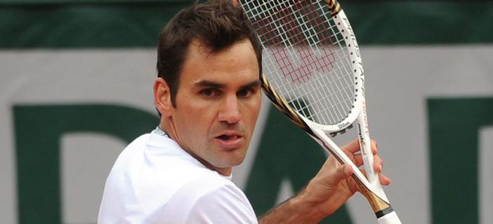 Федерер с победа №900 след обрат в петсетова битка