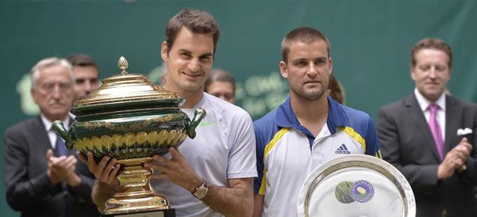 ВИДЕО: Роджър Федерер с първи трофей за сезона