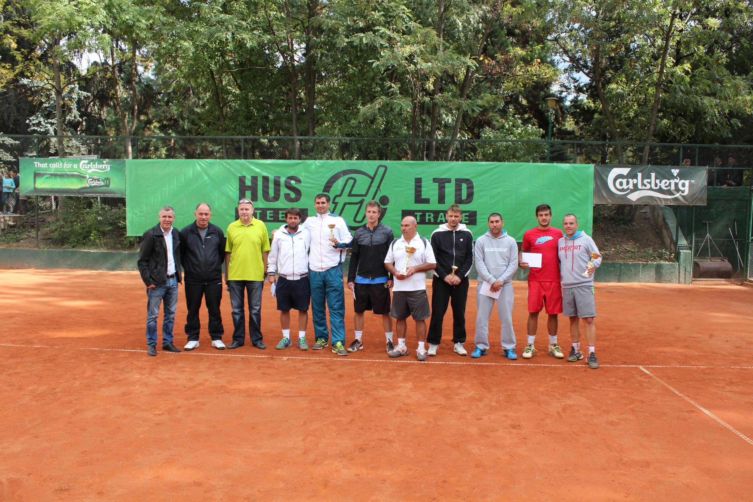 """Про-ам турнирът """"Хъс"""" дари 8000 лв за участниците в Nike Junior Tour"""