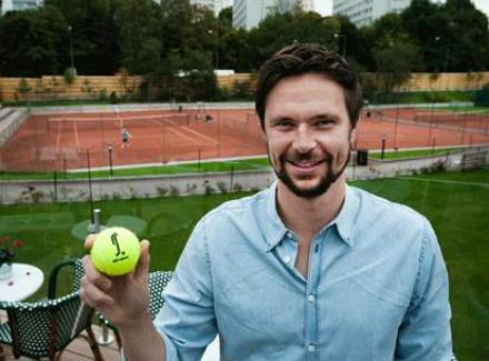 Робин Сьодерлинг пусна своя собствена марка тенис топки