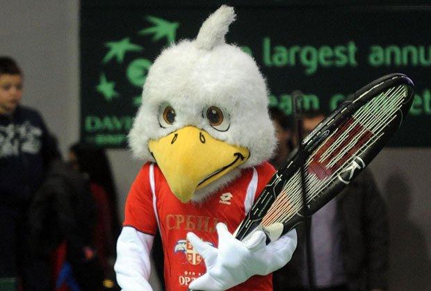 """Любопитно: ITF не пусна орела-талисман на Сърбия в """"Белградска арена"""""""