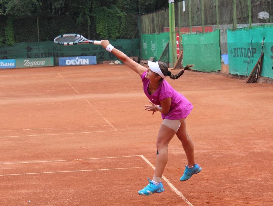 Виктория Томова остана на сет от финала