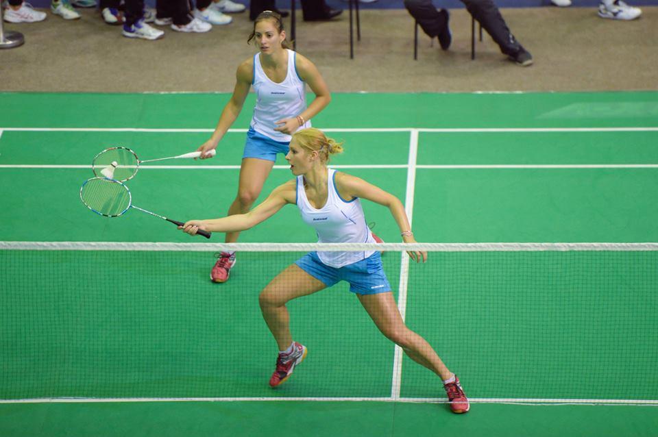 Сестри Стоеви на полуфинал след бърза победа