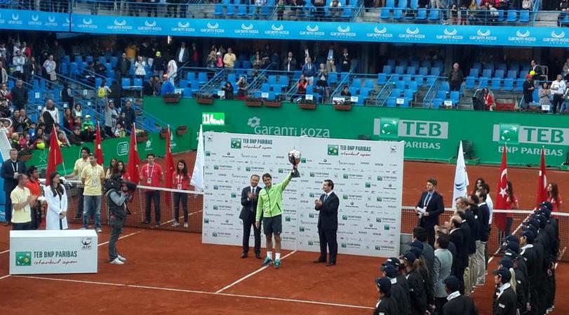 Федерер спечели в Истанбул, титла №85 е факт! (+ СНИМКИ)