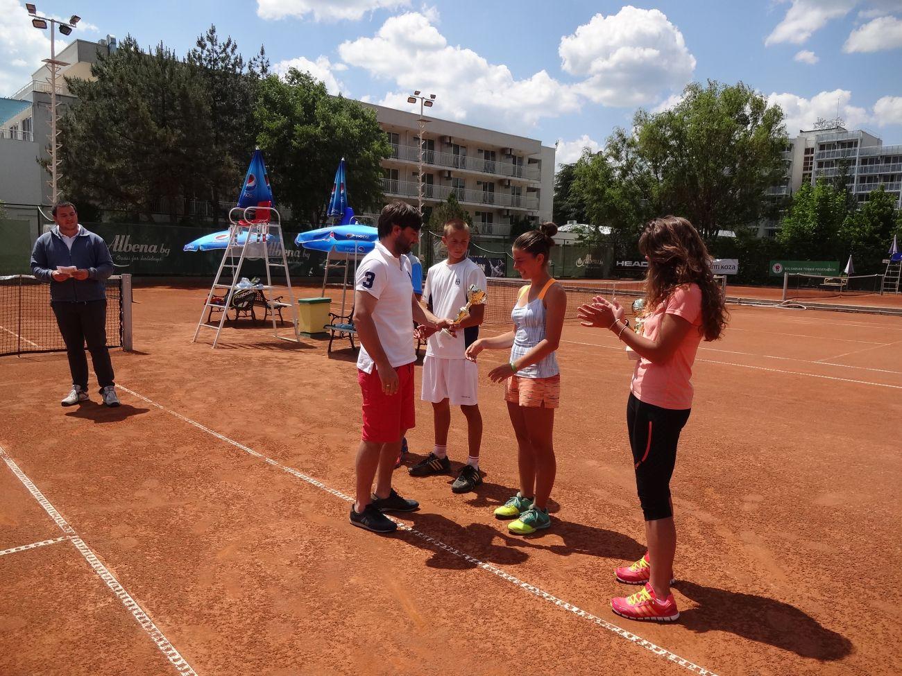 Треньор на шампиони: Веселка Лазарова
