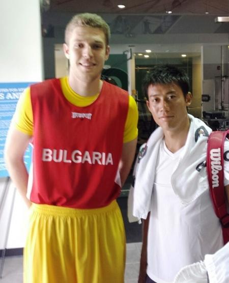 Нишикори се снима с българската баскет звезда