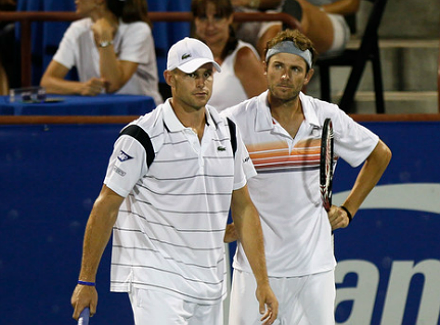 Анди Родик и Марди Фиш започнаха с победа