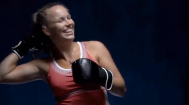 ВИДЕО: Боксьорката Вожняцки разкрива тайната на успеха