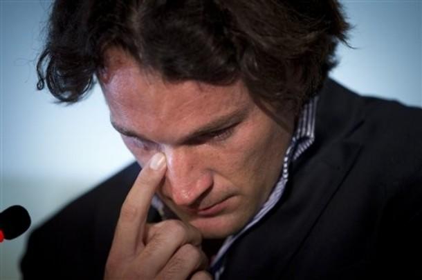 Със сълзи на очи - Карлос Моя официално се отказа от тениса