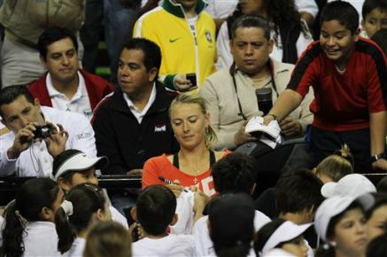Шарапова пречупи Звонарьова в Мексико
