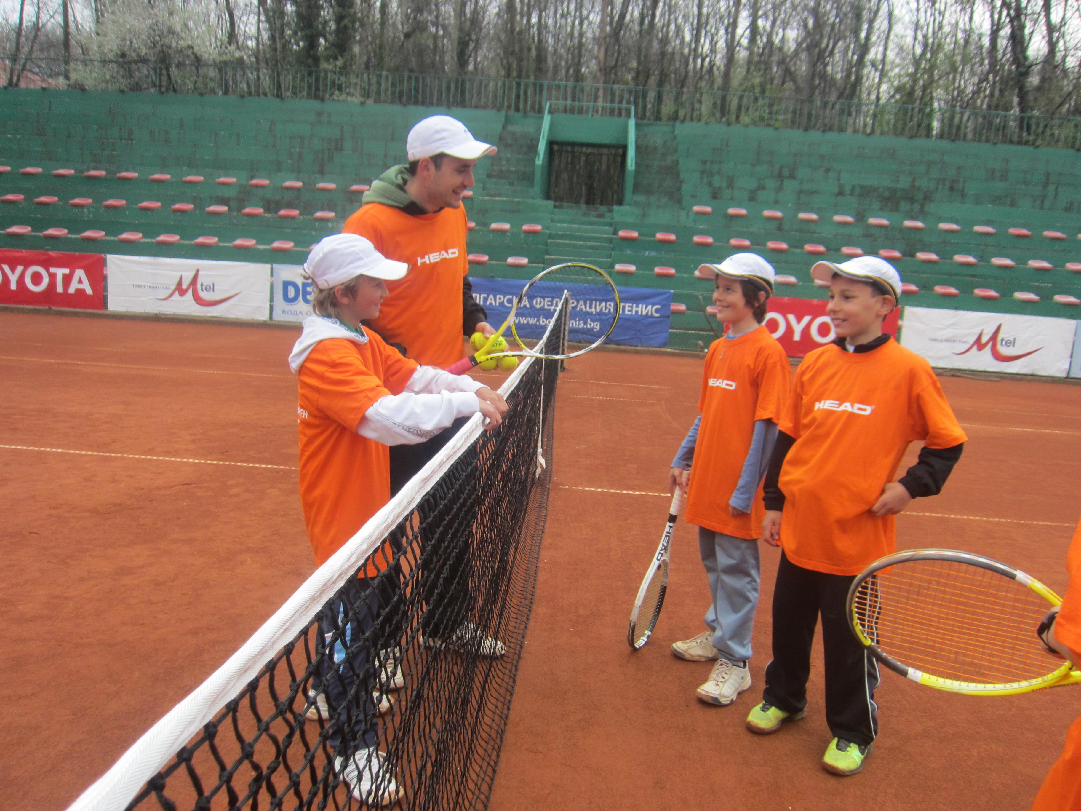 """""""Хед тийм елит"""" спонсорира 45 български тенис таланти"""