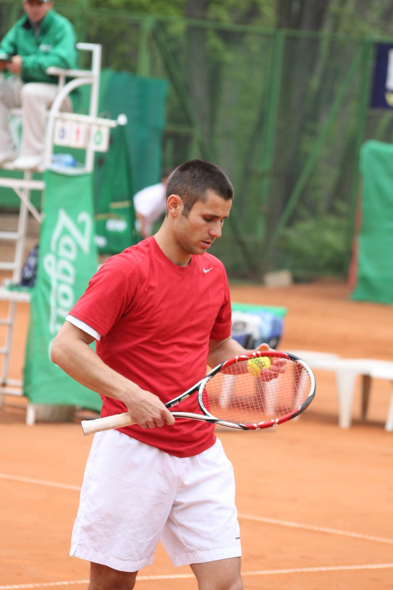 Румънци впечатляват в първия ден на Zagorka Tennis Cup