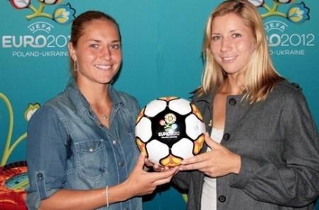 Сестри Бондаренко са сред лицата на Евро 2012 по футбол