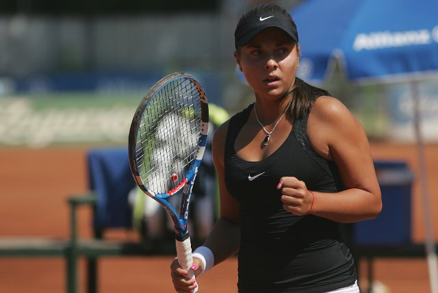 Виктория Томова на четвъртфинал във Варна
