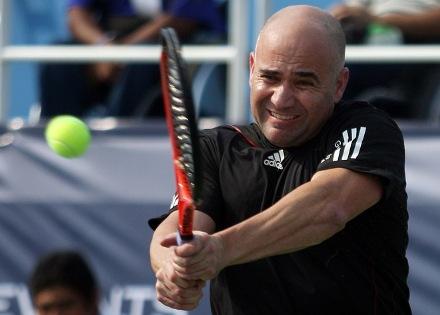 Андре Агаси спечели поредния турнир при легендите
