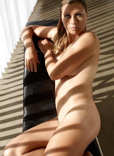 Звонарьова позира гола в естетична фотосесия за ESPN