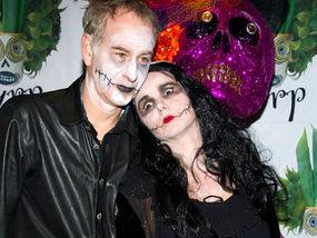 Джон МакЕнроу и жена му празнуват Хелоуин (снимка)