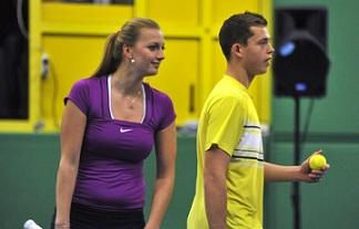 Квитова игра демонстративен мач със 17-годишния си приятел