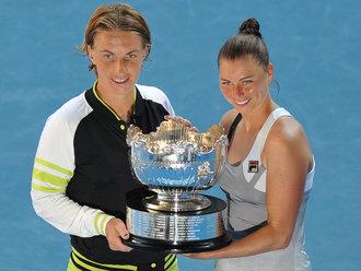 Кузнецова и Звонарьова триумфираха на двойки