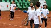 Програмата Тенисът - Спорт за всички осигурява безплатен тенис за деца от 6 до 12 години