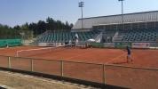 Радулов и Драганов ще спорят за титлата след безапелационни победи